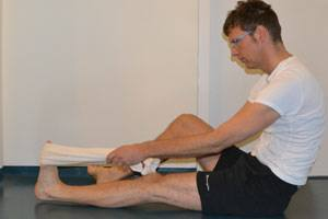 towel stretch fasciitis